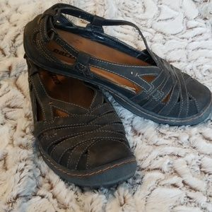 EARTH Strappy loafer